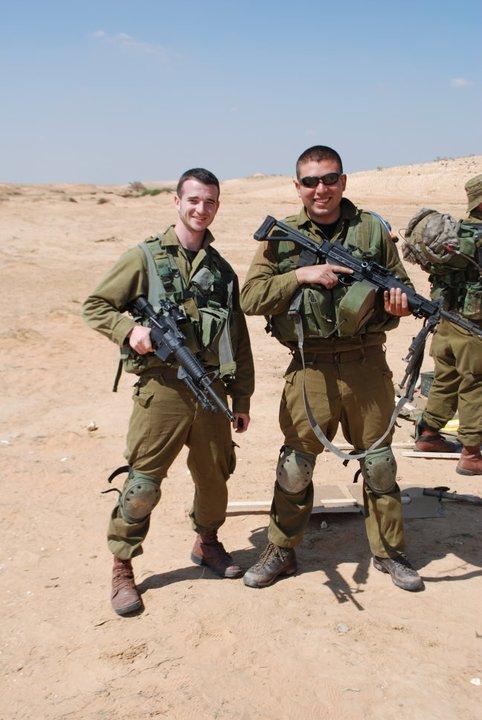 Yo y la Negev. La ametralladora que nunca quise pero que termino siendo mi mejor amiga.